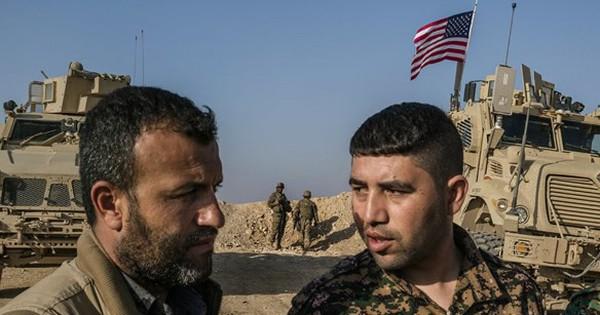 """""""Lạ đời"""": Mỹ vẫn tăng cường vũ khí và lính tới sát biên giới Syria – Thổ Nhĩ Kỳ"""