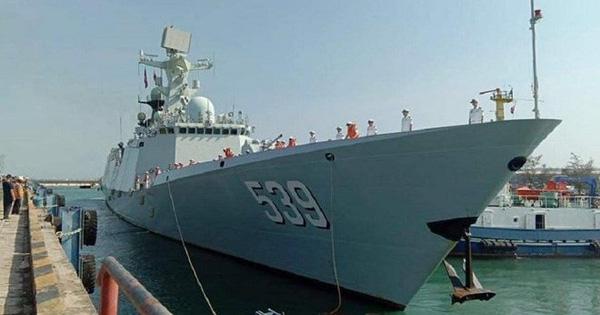 Hàng loạt tàu chiến Trung Quốc bất ngờ tới Campuchia làm gì?