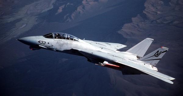 Tiêm kích F-22 có thể bị F-14 của Iran bắn hạ?
