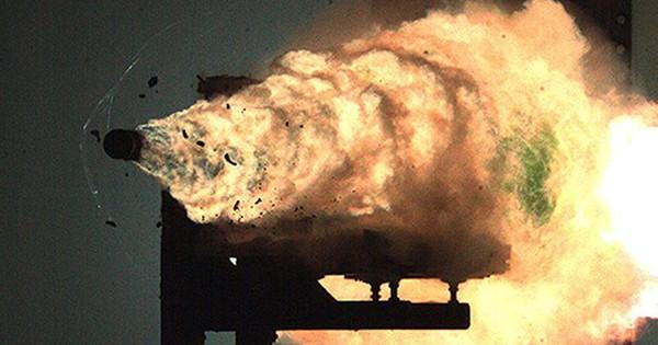 Trung Quốc thử nghiệm pháo ray trên Biển Đông nhằm chiếm ưu thế trong quan hệ với Mỹ