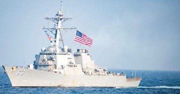 """Vừa """"làm lành"""" với Trung Quốc, hai tàu chiến Mỹ đã có mặt ở eo biển Đài Loan"""