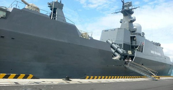 Hai biên đội tàu 011 – Đinh Tiên Hoàng và 015 – Trần Hưng Đạo thăm Trung Quốc