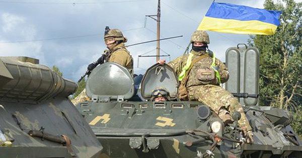 """Vừa công bố kết quả bầu cử, Ukraine đánh giá Nga sẵn sàng """"leo thang quân sự"""""""