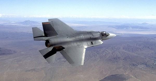 """Mỹ """"bó tay"""", bỏ rơi Nhật Bản tìm kiếm chiếc F-35A gặp nạn sau một tháng"""