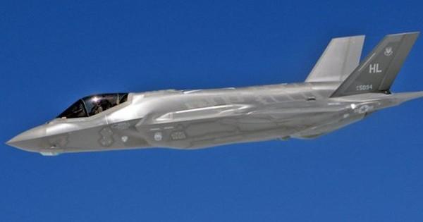 """Tiêm kích tàng hình F-35 của Mỹ sẽ sớm """"lượn lờ"""" sát biên giới Nga?"""