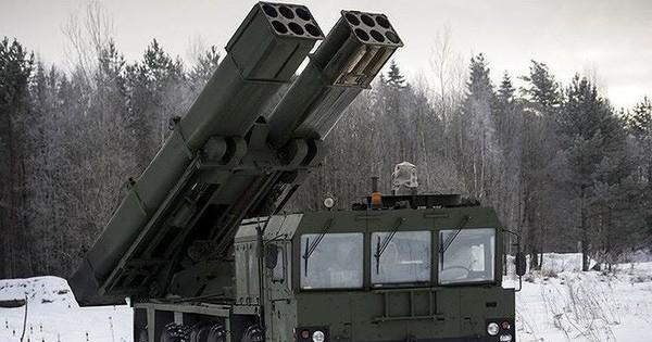 Quân đội Nga biên chế lữ đoàn pháo phản lực Tornado-S cực mạnh đầu tiên