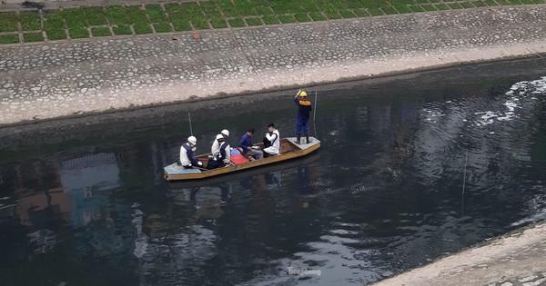 """Sau 4 ngày thử nghiệm """"bảo bối"""" của Nhật, sông Tô Lịch đã bớt mùi"""