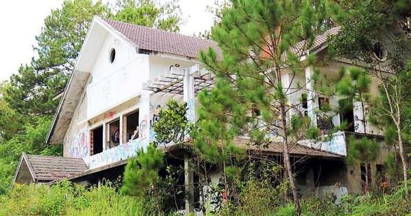Hàng chục biệt thự nghỉ dưỡng bị bỏ hoang trên đồi thông Đà Lạt