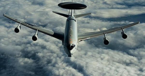 """Ecuador cho không quân Mỹ """"đậu nhờ"""" trong sân bay?"""
