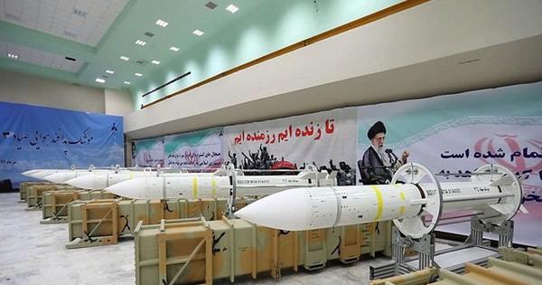 """Hé lộ vũ khí bí mật của Iran có thể """"hủy diệt"""" tàu sân bay Mỹ"""