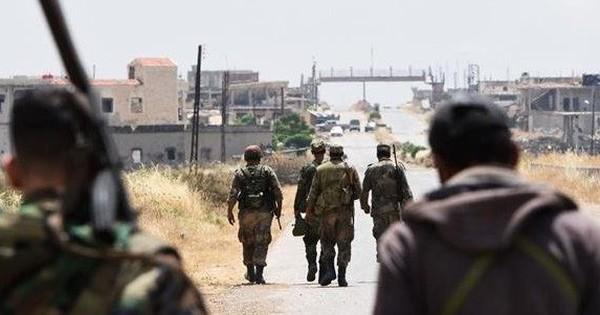 """Chiến sự Syria: Quân đội Syria đánh lớn vào hang ổ khủng bố ở Hama, Idlib sau khi bị máy bay không người lái """"trêu ngươi"""""""