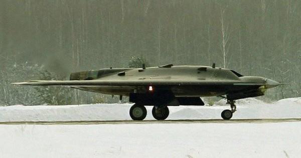 Tiết lộ vai trò của những chiếc UAV tối tân trên tàu sân bay mới của Nga