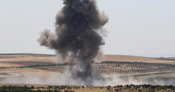 """Thừa thắng xông lên, quân Assad bất ngờ """"ăn quả đắng"""""""