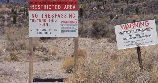 """Cuộc """"đột kích"""" của hơn nửa triệu người vào căn cứ quân sự tuyệt mật của Mỹ"""