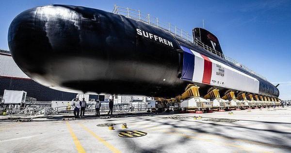 """Tổng thống Pháp công bố tàu ngầm hạt nhân """"khủng"""""""