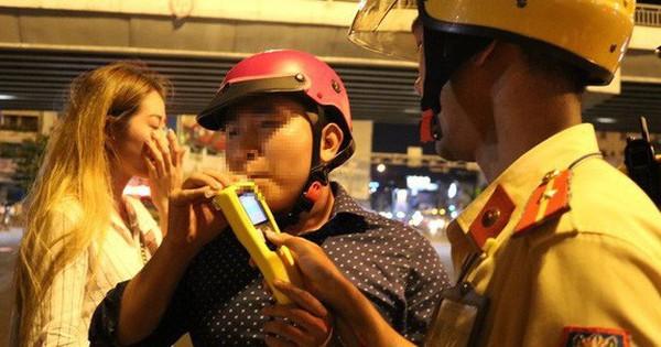 """Từ 15-7, CSGT TP HCM sẽ """"chốt"""" ở bến xe, sân bay, quán nhậu… xử lý vi phạm"""