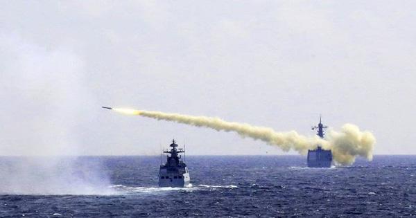 """Phóng loạt """"sát thủ diệt hạm"""", Trung Quốc sắp soán ngôi Mỹ ở Biển Đông?"""