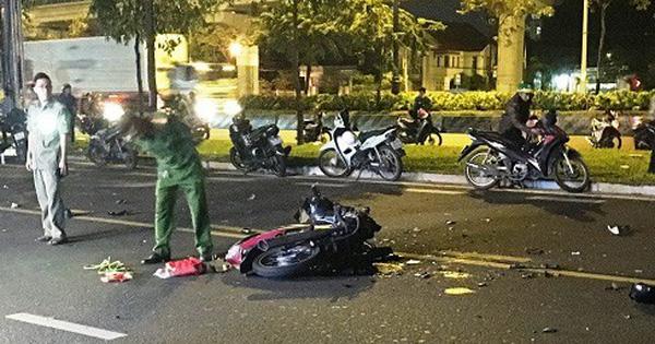 Hai xe máy tông nhau trong đêm, 3 người thương vong