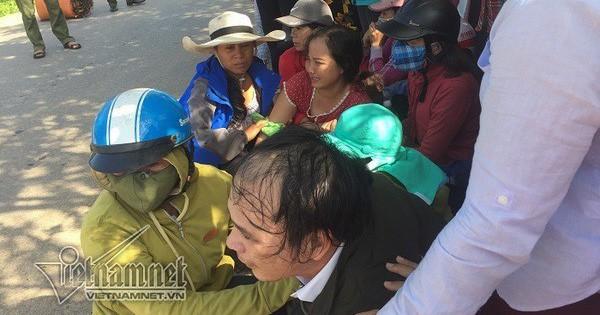 Cha mẹ ngã quỵ bên thi thể nữ sinh Quảng Trị bị xe tải cán tử vong