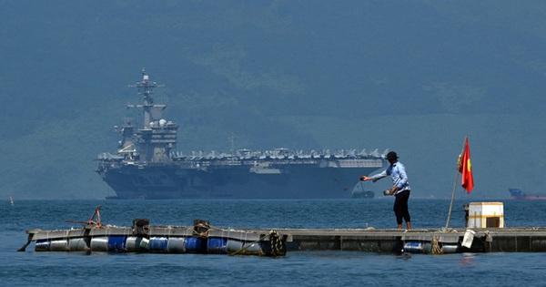 Đô đốc tàu sân bay Mỹ vinh dự khi nhận được sự đón tiếp nồng hậu từ nhân dân Việt Nam
