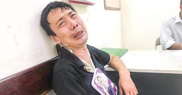 """Vụ tai nạn bé trai 1 tuổi tử vong ở Hà Nội: """"Sao cháu lại bỏ ông đi thế này, đau đớn quá"""""""