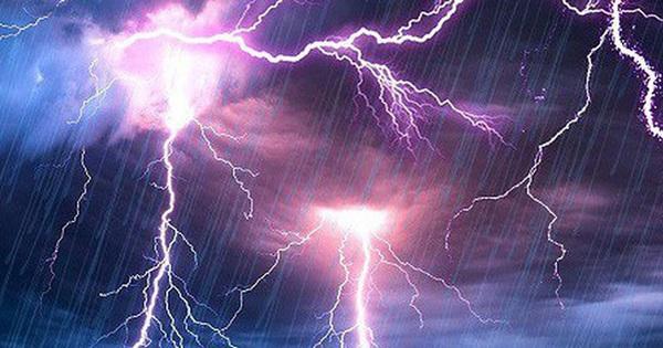 Trú mưa dưới gốc cây, 3 phụ nữ bị sét đánh chết thương tâm