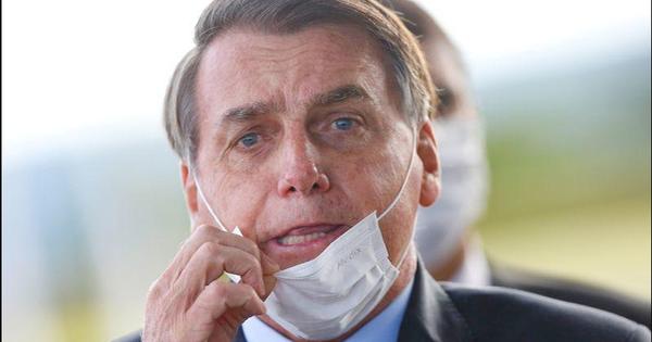 """Brazil hỗn loạn vì COVID-19, tổng thống Bolsonaro lại có động thái """"khó hiểu"""" giống ông Trump"""