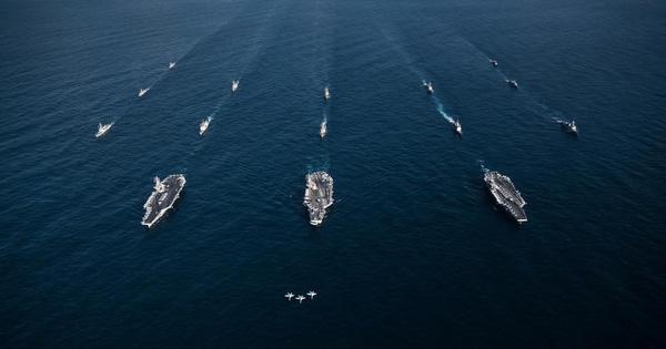Sau dọa bắn tàu, Hải quân Mỹ tiếp tục cảnh báo nghiêm khắc đối thủ