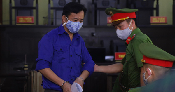 """Xét xử vụ gian lận điểm thi ở Sơn La: Nhờ """"xem điểm"""" hộ vì nể nang Giám đốc Sở"""