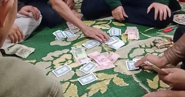 Khởi tố vụ đánh bạc xảy ra có sự tham gia nguyên Phó trưởng Công an phường