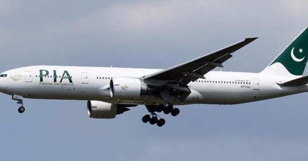Rơi máy bay Pakistan chở hơn 100 người tại Karachi