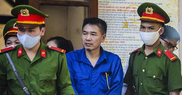 Xét xử gian lận thi cử tại Sơn La: Màn đối đáp nảy lửa giữa cựu giám đốc sở và cấp dưới