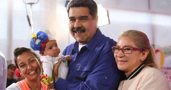 Tổng thống Venezuela kêu gọi phụ nữ sinh… 6 con