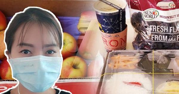 Những phần cơm cách ly bắt mắt và đẩy đủ dinh dưỡng gây sốt MXH: Thực đơn thay đổi liên tục, có thêm cả nho Úc, táo Canada