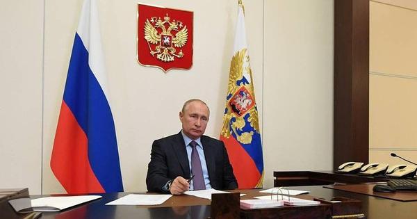 Tổng thống Putin khẳng định sự vượt trội của hàng không quân sự của Nga