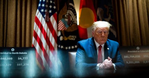 Đổi bài, ông Trump quay sang tấn công 'người cũ'