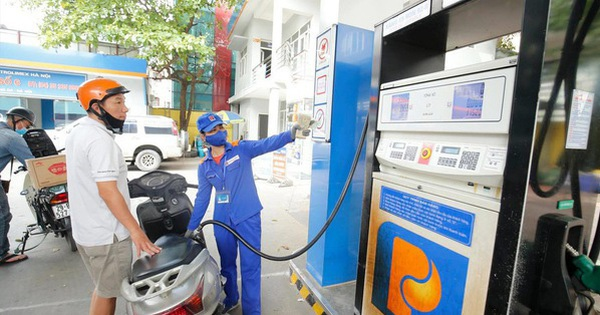 Quỹ bình ổn giá xăng dầu: Doanh nghiệp muốn bỏ, cơ quan quản lý muốn giữ