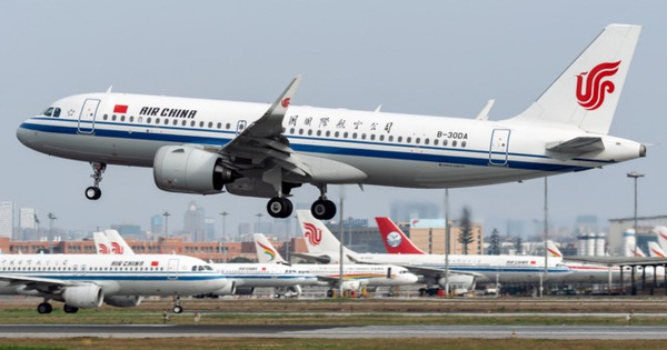 """Người Trung Quốc đua nhau bay nội địa, các hãng hàng không Trung Quốc """"hồi sinh"""""""