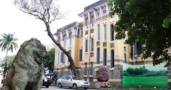 'Siêu lạm phát' cấp phó ở trung tâm Văn hóa Thông tin & Thể thao TP Huế