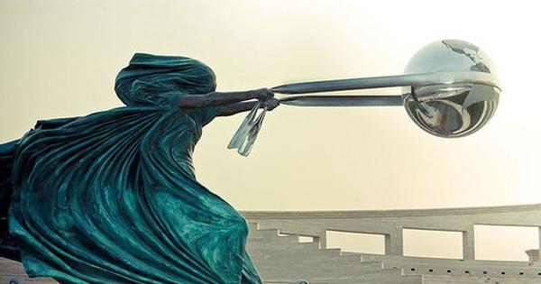 Những bức tượng kỳ dị thách thức tất cả các quy luật vật lý, khiến người ta càng nhìn càng xuýt xoa và sợ hãi