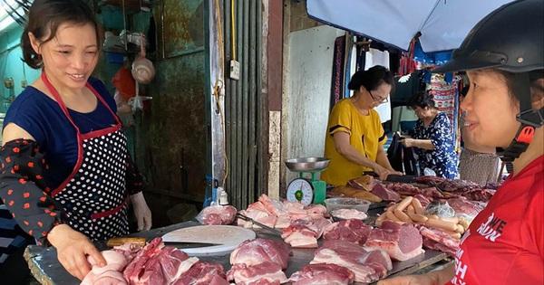 Giá thịt lợn lên 200 nghìn đồng/kg, cao chưa từng có