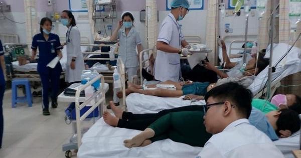 Ăn bánh mì có chứng nhận an toàn, 140 người nhập viện