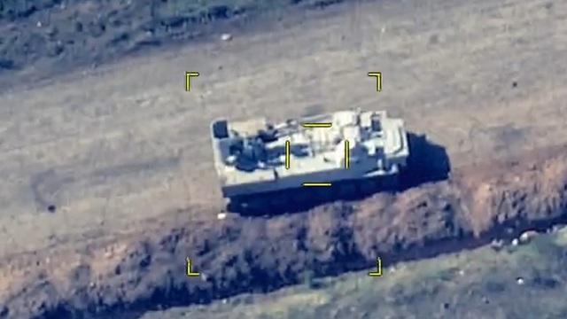 """QĐ Azerbaijan hủy diệt cơ giới - pháo binh đối phương, """"tố"""" vi phạm ngừng bắn - Chiến sự Nagorno-Karabakh nóng rực!"""