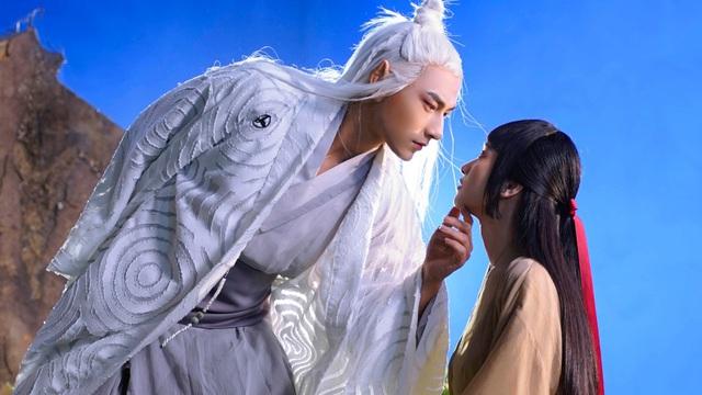 Isaac đóng cảnh tình tứ cùng Jun Vũ trong MV mới
