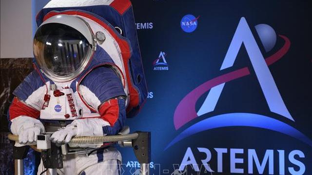 Tám quốc gia ký thỏa thuận thám hiểm Mặt Trăng