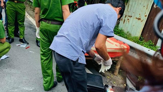 Anh trai gào khóc thảm thiết ở hiện trường em tử vong trong tư thế treo cổ trên cây