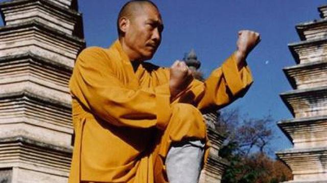 Đại đệ tử của phương trượng Thiếu Lâm Tự bị tố có 2 vợ, đánh rồi phá võ quán của đồng môn