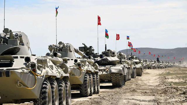 """""""Kẻ giấu mặt"""" đáng gờm trong giao tranh Azerbaijan - Armenia"""