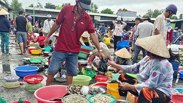 Nguồn cung tăng mạnh, nhiều loại cá đồng giảm giá