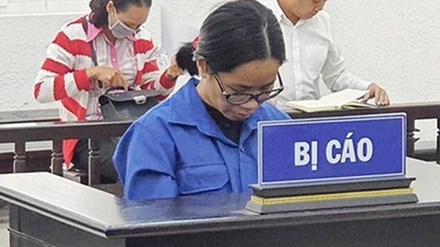 Hầu toà, nữ thạc sĩ thất nghiệp đi lừa đảo đột ngột mắc bệnh